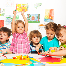 Berührungslose Hygienespender in Kindergärten